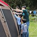 家人合力紮營 2.jpg