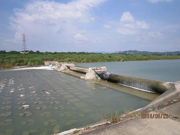 玉峰攔河堰