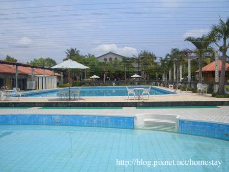 怡園泳池.jpg