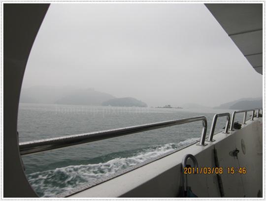 日月潭遊湖船前進中