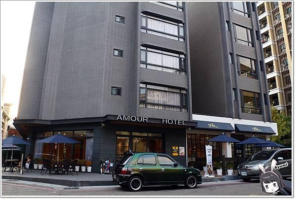 台中愛戀旅店 Taichung Amour Hotel位於一中商圈,逛街享用美食超EASY