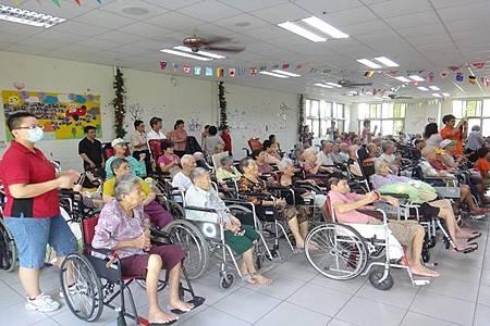 官田老人養護中心輪椅長輩總動員