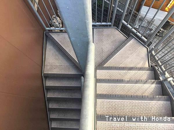 bnbplus樓梯