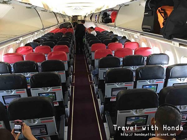 AirAsia亞航飛機座位寬度大小