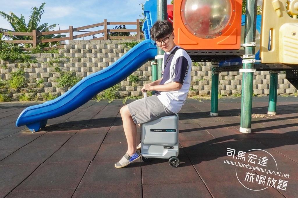 Airwheel-SE3-mini 騎行拖拉二用智能行李箱電動車.行李箱二合一-1.jpg
