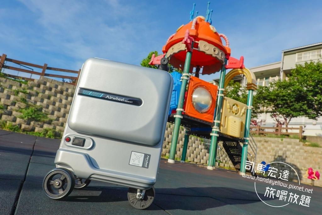 Airwheel-SE3-mini 騎行拖拉二用智能行李箱電動車.行李箱二合一-5.jpg