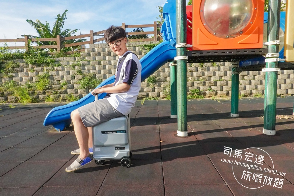 Airwheel-SE3-mini 騎行拖拉二用智能行李箱電動車.行李箱二合一-2.jpg
