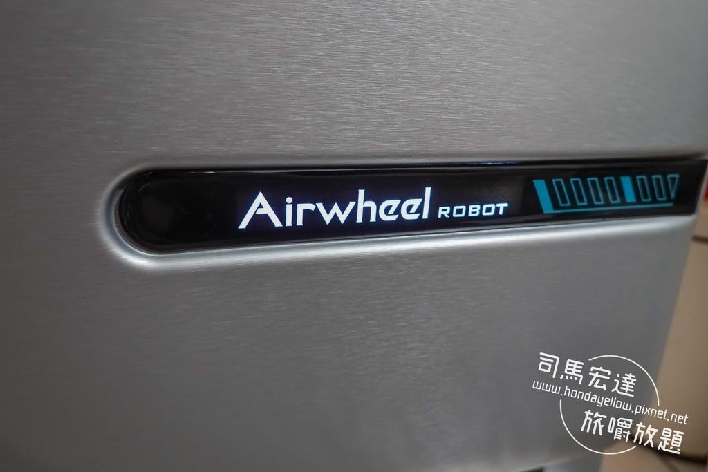 Airwheel-SE3-mini 騎行拖拉二用智能行李箱電動車.行李箱二合一-7.jpg