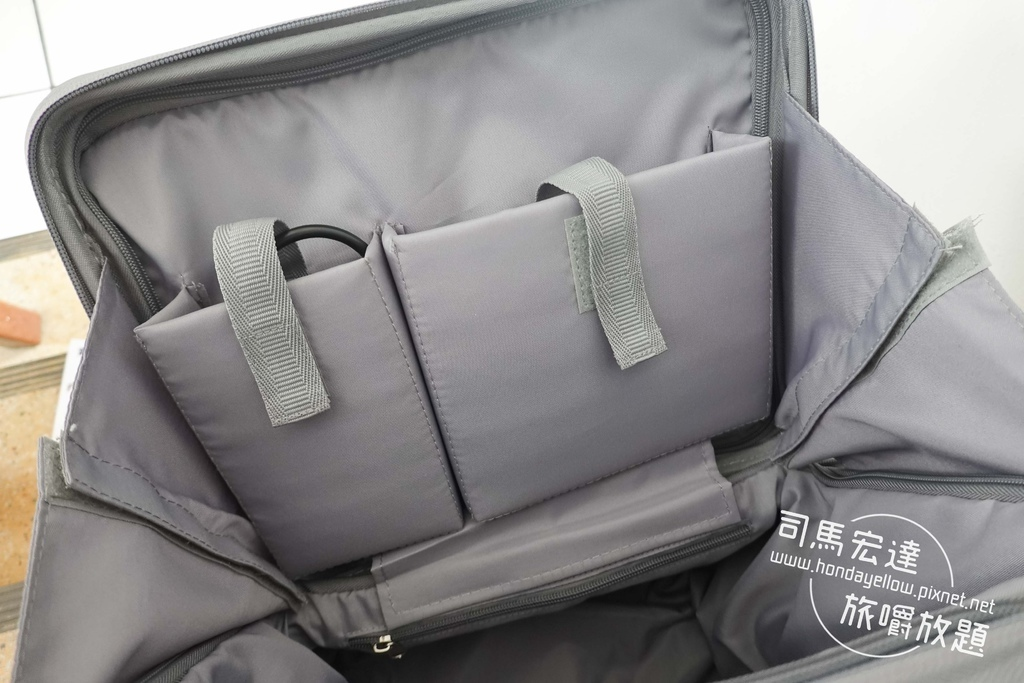 Airwheel-SE3-mini 騎行拖拉二用智能行李箱電動車.行李箱二合一-15.jpg