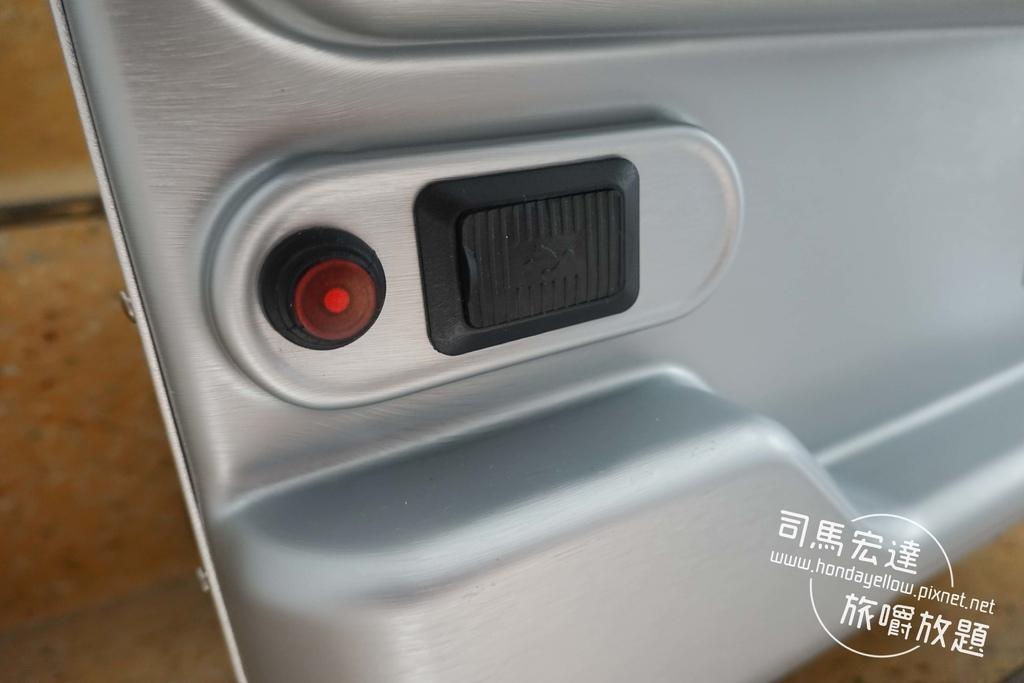 Airwheel-SE3-mini 騎行拖拉二用智能行李箱電動車.行李箱二合一-23.jpg