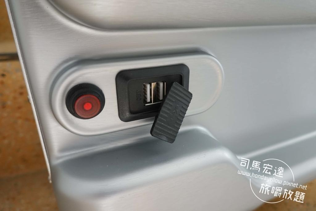 Airwheel-SE3-mini 騎行拖拉二用智能行李箱電動車.行李箱二合一-24.jpg