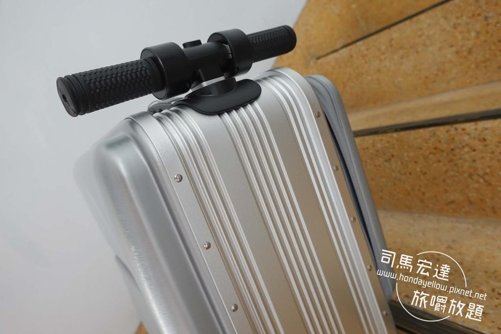 Airwheel-SE3-mini 騎行拖拉二用智能行李箱電動車.行李箱二合一-25.jpg