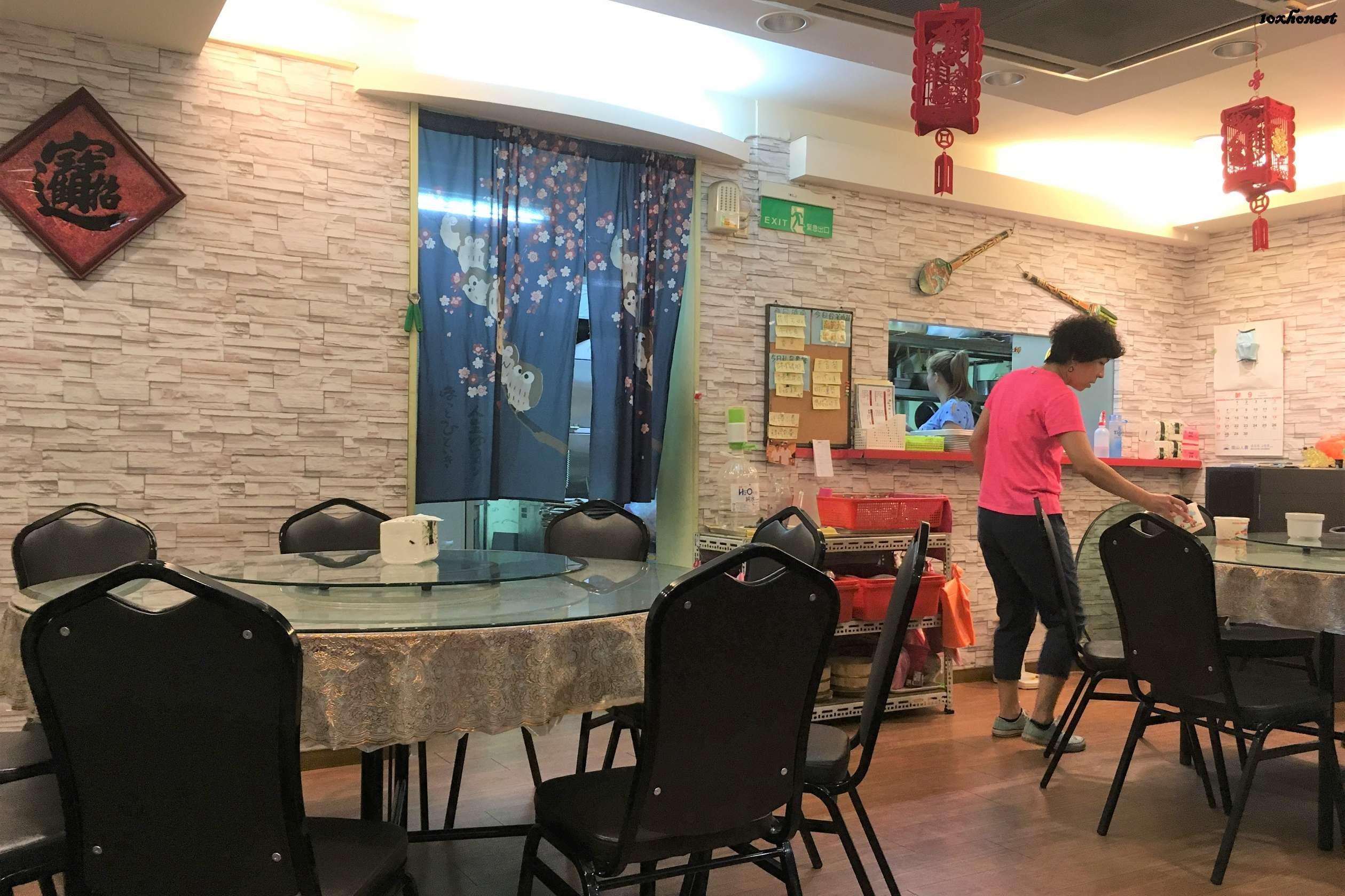 龍哥食堂 出餐口