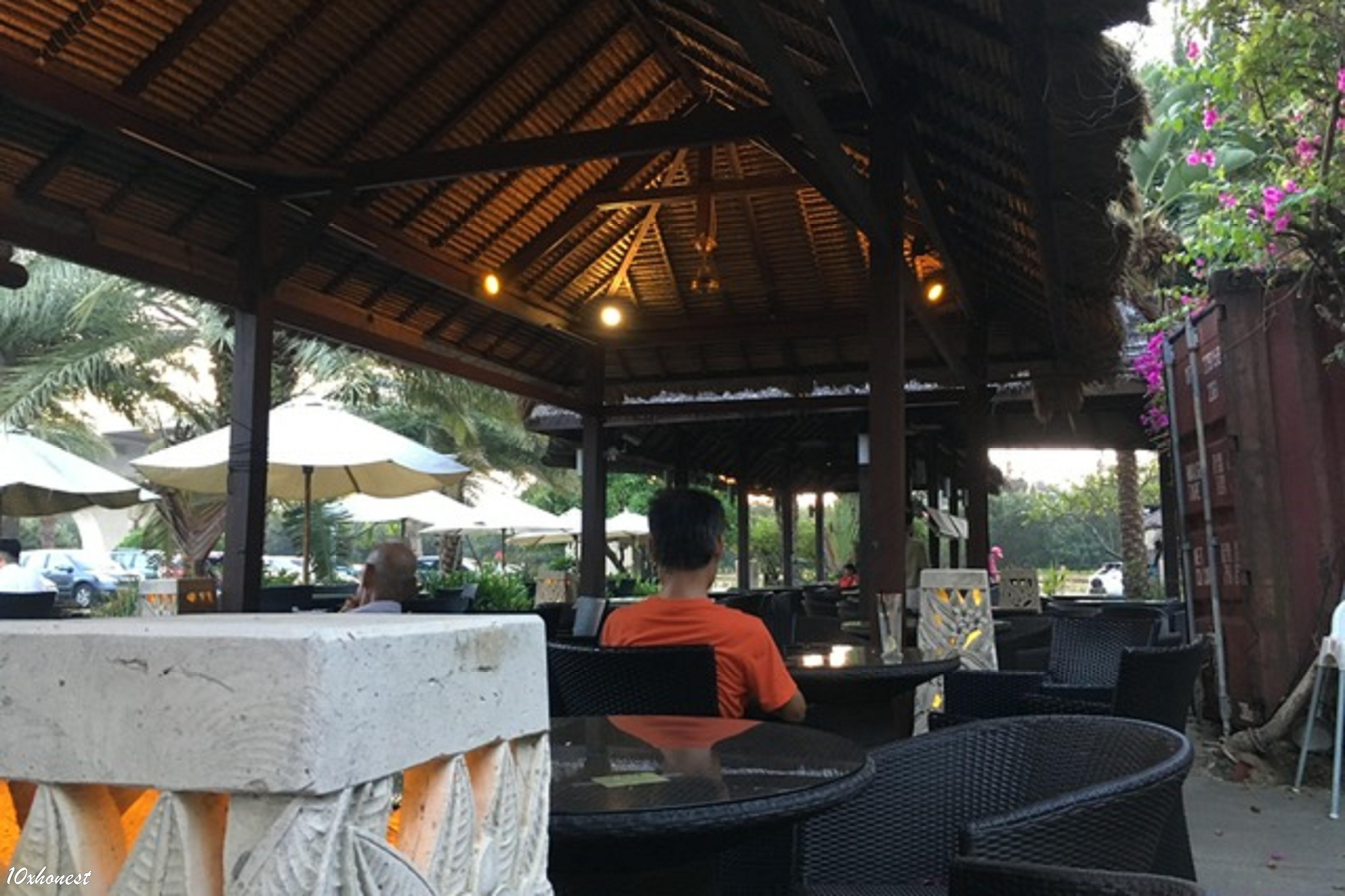 莫內咖啡室外座位區2