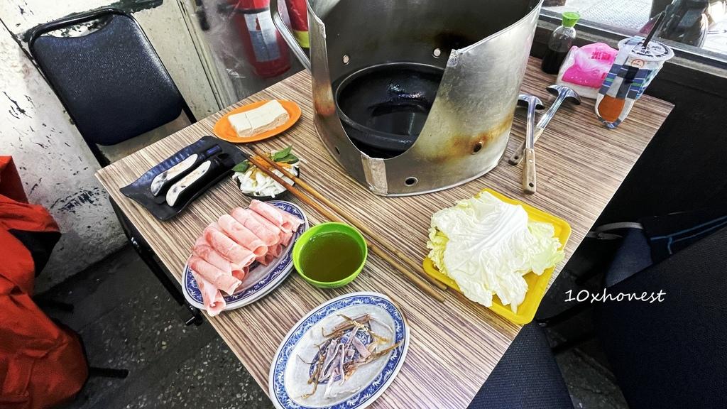 西門老字號雅香石頭火鍋|這裡吃火鍋不用沾醬,湯底本身就超夠味!想吃什麼自己選!(附美味石頭火鍋湯底必加的獨門配料)