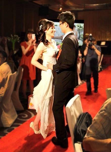 哈妮熊規劃顧問自助婚紗結婚婚禮情報夢想MV婚攝婚錄婚企佈置創意主持樂團婚禮小物求婚新娘保養