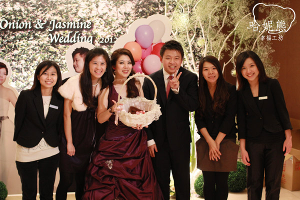 哈妮熊幸福工坊團隊與洋蔥茉莉合影