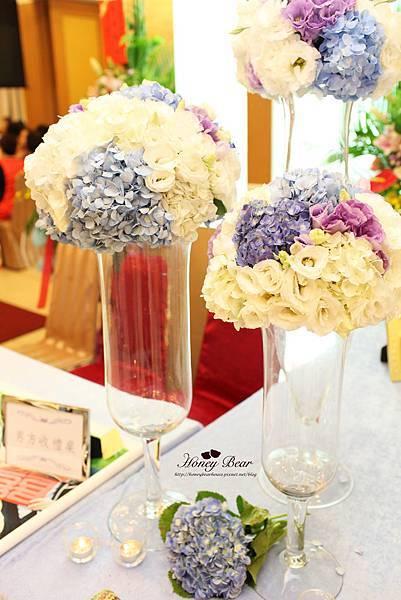 配色清新亮麗的花球提升婚禮的氣質 --J&D航海情緣