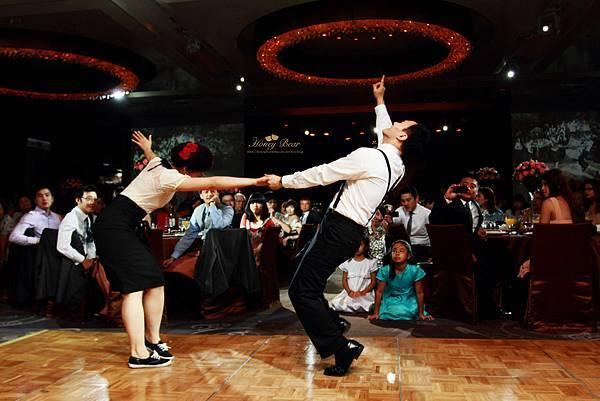 兩人非常投入 --Swing舞動人生