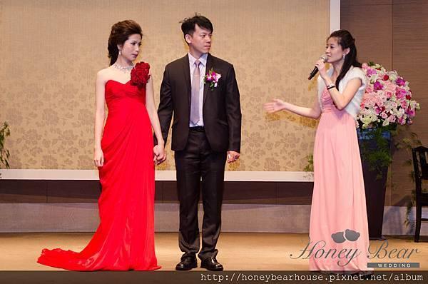 哈妮熊紅白色音樂主題婚禮-KTV情緣_婚禮主持