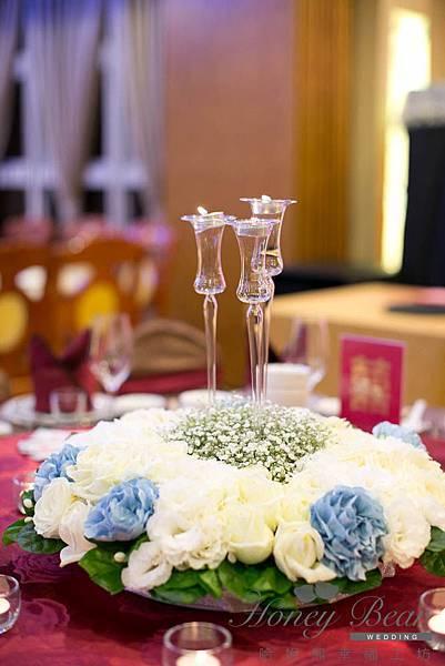 哈妮熊機器人婚宴佈置-工廠風藍白色主桌@宜蘭詩藝