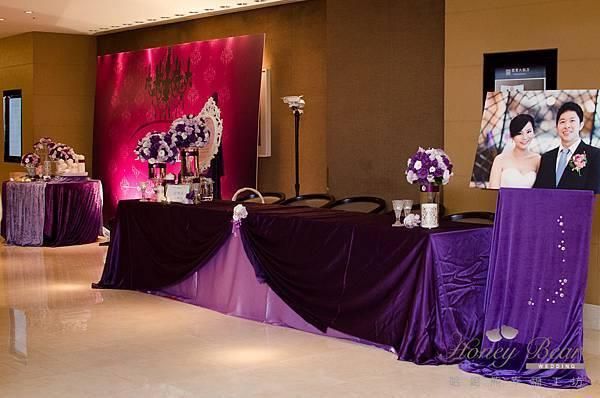哈妮熊紫色宮廷風婚禮佈置-3176