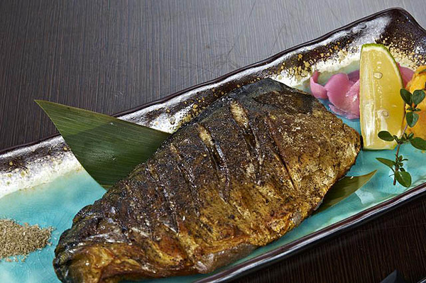 鹽烤鯖魚.jpg