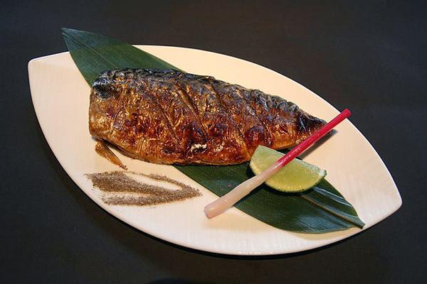 鹽烤鯖魚2.jpg