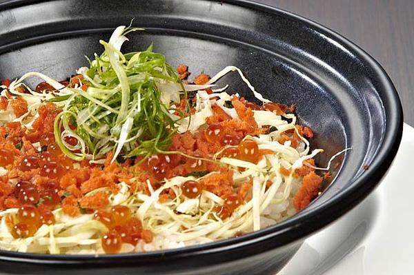 鮭魚親子釜燒飯2.jpg