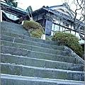 本館前的樓梯