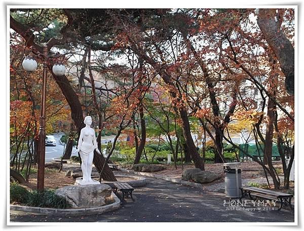 IMG_8444韓國慶熙大學賞楓.JPG