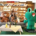 IMG_6590Line store.JPG