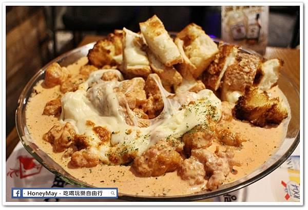 IMG_8886弘大美食起司奶油雞.JPG