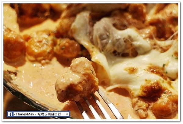 IMG_8894弘大美食起司奶油雞.JPG