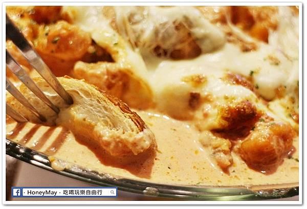 IMG_8896弘大美食起司奶油雞.JPG