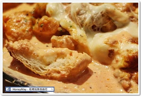 IMG_8897弘大美食起司奶油雞.JPG