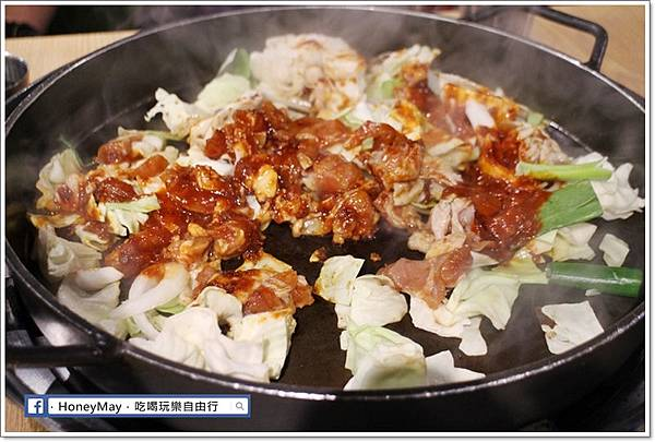 IMG_8336釜山美食白鐵板辣炒雞.JPG