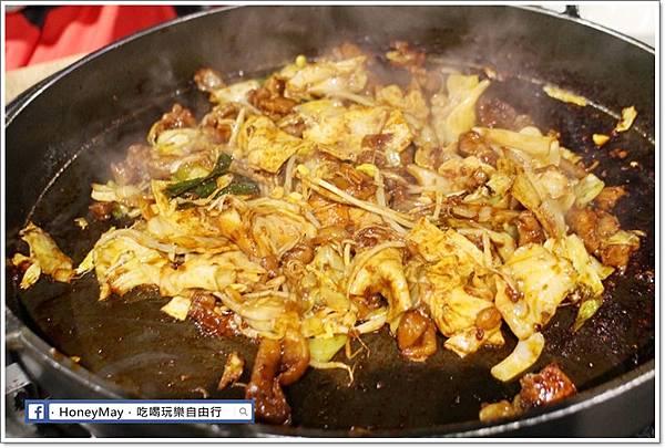 IMG_8342釜山美食白鐵板辣炒雞.JPG