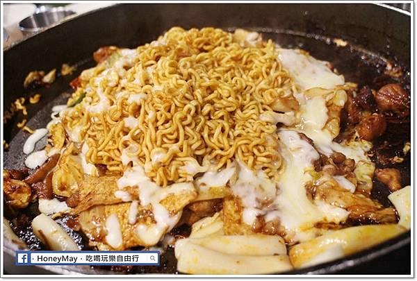 IMG_8346釜山美食白鐵板辣炒雞.JPG