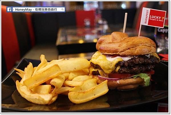 IMG_0557Lucky7 漢堡.JPG