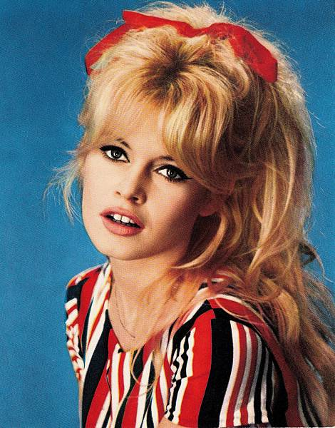 brigitte-bardot-beautiful-bb-18708275-802-10241.jpg
