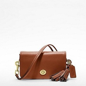 coach-legacy-leather-penny-shoulder-purse-profile