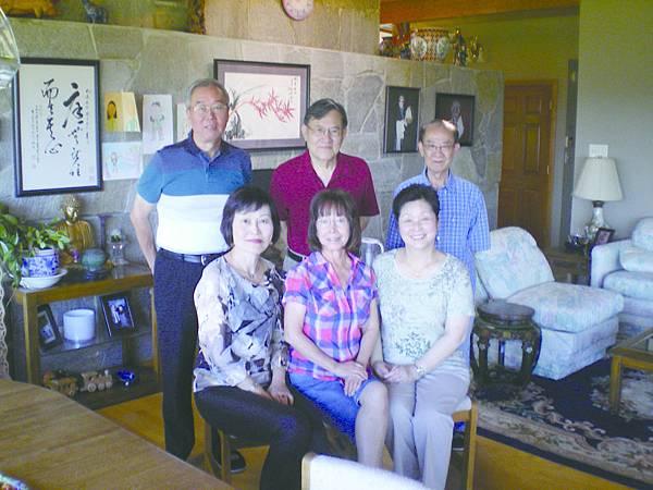 6.後排右起:葉如舟、申大為、宋建成;前排右起:馬國駿夫人、劉國青、吳際平