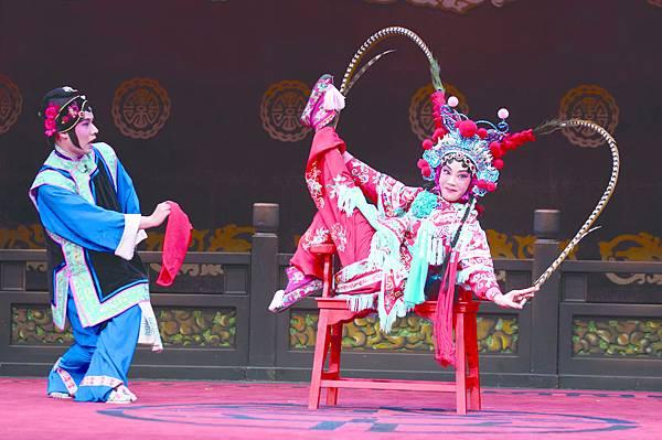 18.(左起)陳元鴻、戴心怡