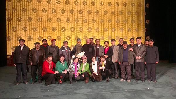 4演出結束後合影(照片來源:國光劇團)