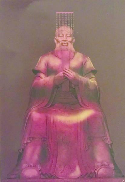 8大成殿中孔子素王座塑像