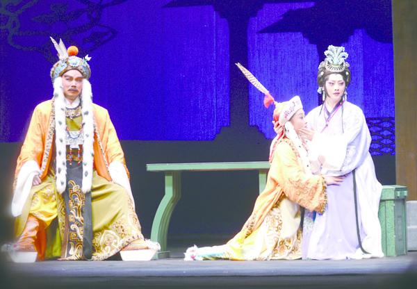 10(左起)江峰飾左賢王、楊帆飾阿迪、萬曉慧飾蔡文姬.JPG