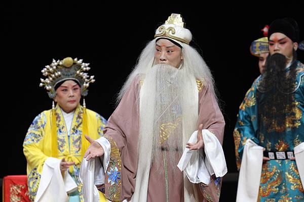 30《白蟒台》演出劇照1.JPG