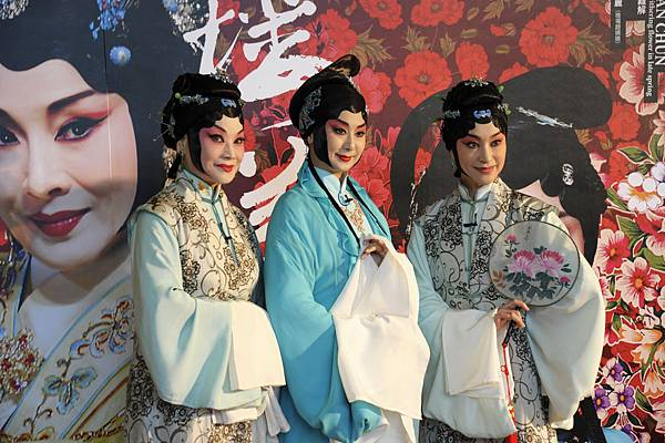 2探春主演(左起):劉海苑、黃宇琳、朱勝麗.jpg