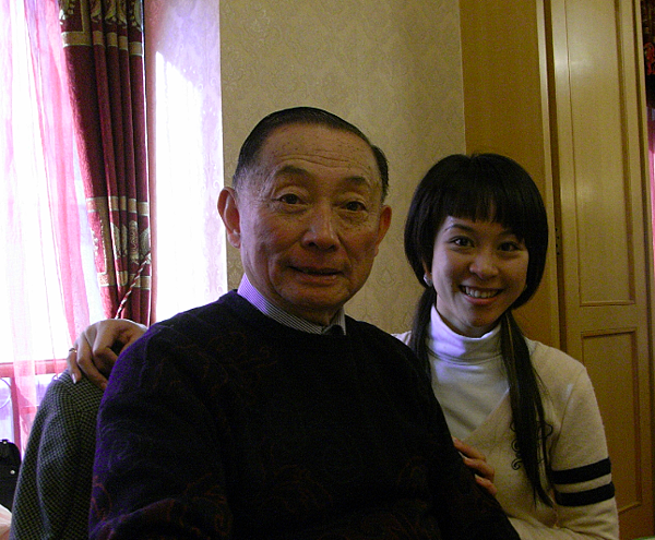 2.2009年參加梅蘭芳先生誕辰一一五週年紀念演出與梅葆玖先生結緣.png